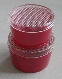 プラスチック容器2個セット color: レッド  Sサイズ: Ø8.7×H5.3 / Lサイズ:Ø9.6×H6.5(cm)