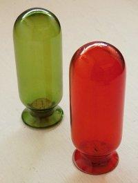 カラードガラスキャニスター2pcセット コルク栓タイプ Red: Ø5.8×16.3(cm)/ Green:Ø6×16.7(cm)