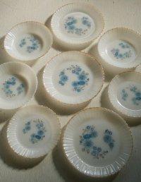 "Termocrisa  Mexico ""Blue Flowers"" Milk Glass Plates/Soup Bowl  メキシコ製ミルクガラス ターモクリサ ""ブルーフラワー柄"" プレート/スープボウル  各1枚"
