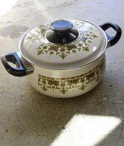 画像1: サンゴーホーローウェア 両手鍋 東欧風柄 size: Ø20cm