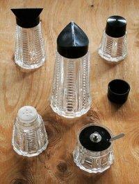 ガラス/プラスチック素材 卓上用調味料入れセット(ディスペンサーL/ディスペンサーM/ シェイカーS&P/ スプーン付ケース)