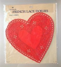 Hallmark FRENCH LACE DOILIES 12・8-IN. DOILIES ハート型フレンチレースドイリー