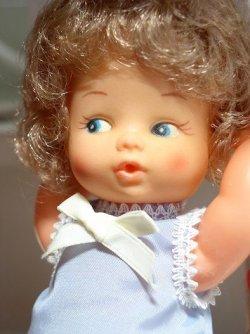 画像1: ヴィンテージ プラスチックベビードール/  Short Blonde Vinyl Plastic Baby Doll
