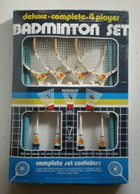 WHOLESALE MERCHANDISERS   deluxe・complete・4player BADMINTON SET 4人用バトミントンセット(ラケット4本/シャトル3個/ネット/ポール/ルールブック)