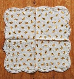 画像1: ハンカチ スコティッシュ・テリア柄 白い花刺繍 レース縁 size: 30×30(cm)