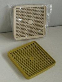 Tupperware タッパーウェア デュエット/トリオ/カルテット (二段/三段/四段重ねの重箱タイプのお弁当箱)用すのこ  size: L13.4×W13.4×H1.2(cm)