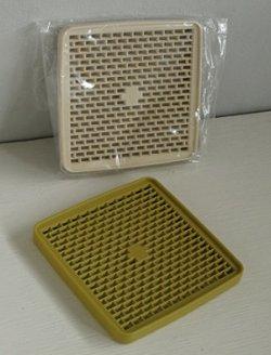 画像1: Tupperware タッパーウェア デュエット/トリオ/カルテット (二段/三段/四段重ねの重箱タイプのお弁当箱)用すのこ  size: L13.4×W13.4×H1.2(cm)