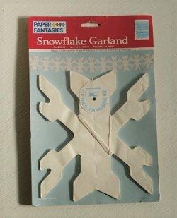 画像1: PAPER FANTASIES  Snowflake Garland 360cm  MADE IN Denmark  ペーパースノーフレイクガーランド(飾り)