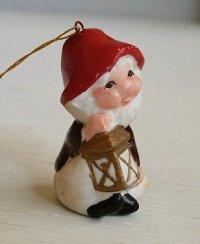 クリスマスオーナメント  ランプを持った小びと  セラミック  size: L4.5cm