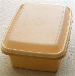 画像1: Tupperware タッパーウェア 保存容器 size: top: L23.2×W17.9×D10.3(cm)/2,000ml color: レモンイエロー