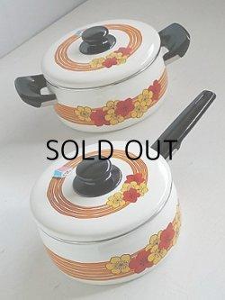 画像1: 富士ホーロー  ハニーウェア  両手鍋(⌀20cm/ 2.5L)&片手鍋(⌀18cm/ 1.8L) 2pcセット   花柄/オレンジストライプ