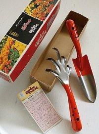 サボテン印  園芸セット Garden tool set #100   (箱、クマデ 100C、スコップ 100A、家庭園芸ごよみ)