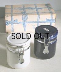 BEE HOUSE  セラミックキャニスター/ 陶器密封瓶 2個セット  color: ホワイト/ネイビーブルー  容量: 約380ml