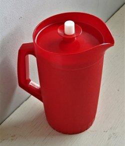 画像1: USED  Tupperware タッパーウェア  フレクシーピッチャー  color: レッド  size: H21×top⌀ 11.5(cm)