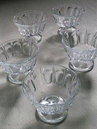 脚付きガラスカップ  各1個