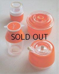 キッタカプラスチック  卓上4pcセット  (容器、醤油さし、楊枝入れ、スプーン付シュガーポット)  color: オレンジ
