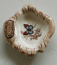 Treasure Craft  スーヴェニア/観光土産  WYOMING・蝶 飾り皿、アシュトレイ