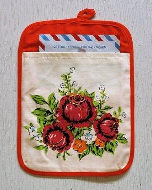 画像1: COTTON FASHIONS FOR THE KITCHEN  Kitchen bag  クッキングカード・キッチンメモ入れ・状差し  花柄(バラ)